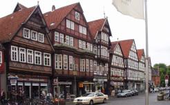 Фахверковые дома - пример каркасных домов.